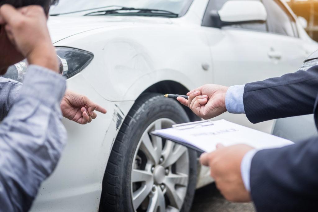 Autokauppa reklamaatio apu