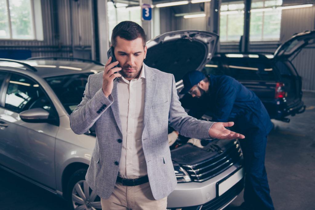 käytetyn auton kauppias huono kokemus